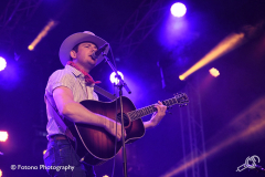 Sam-Outlaw-Once-In-A-Blue-Moon-Fotono_004