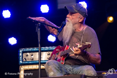 Seasick-Steve-Once-In-A-Blue-Moon-Fotono_009